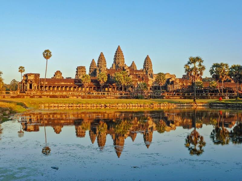 在吴哥窟,柬埔寨的美好的日落 免版税库存照片