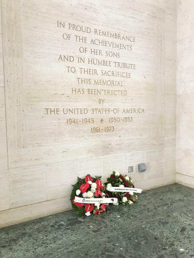 在和平的Punchbowl公墓的全国纪念公墓的纪念墙壁在檀香山,夏威夷 库存图片