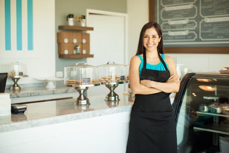 Download 在咖啡店的企业主 库存照片. 图片 包括有 4月, 点心, brunhilda, 愉快, 自助餐厅, 讲西班牙语的美国人 - 59109932