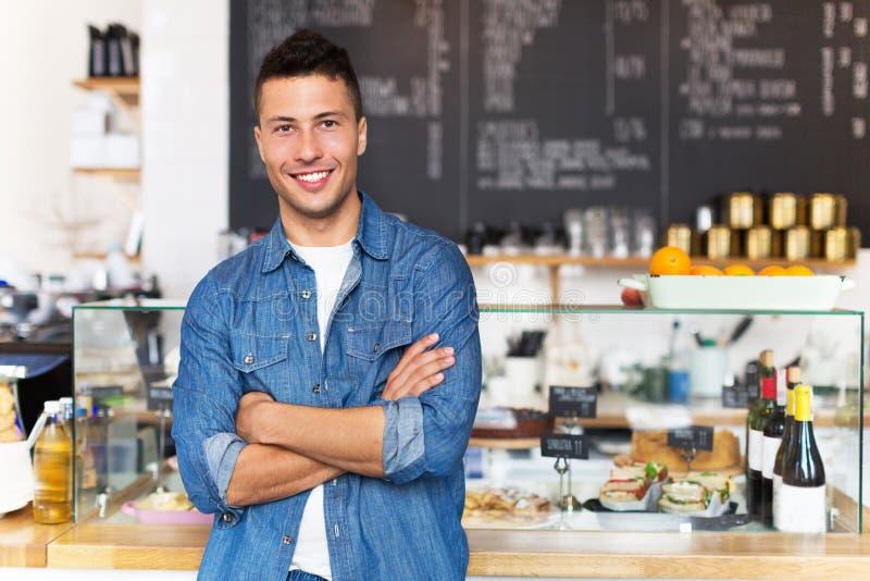 在咖啡馆的小企业主 库存照片
