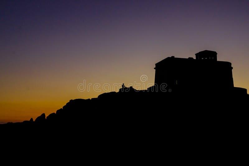 在品柱介壳,撒丁岛,意大利的日落 库存照片