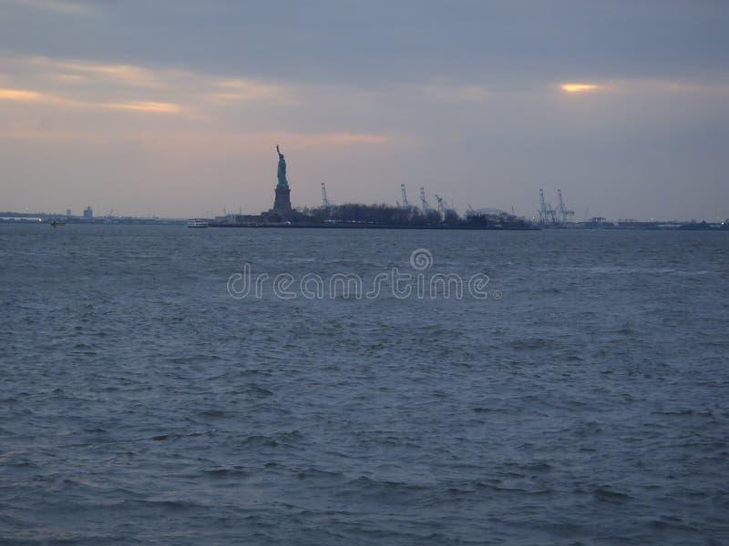在哈得逊河的自由NY的 免版税库存照片