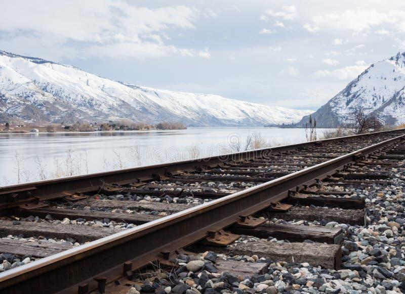 在哥伦比亚河谷, WA的铁路 免版税库存照片