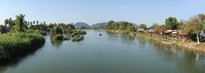 在唐Det和唐Khon海岛之间的河湄公河 免版税库存照片