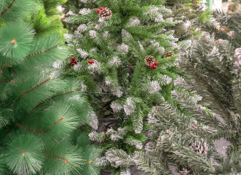 在商店特写镜头的人为圣诞树 免版税库存照片