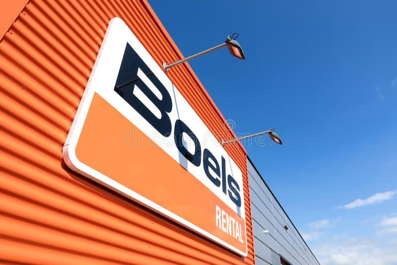 在商店的Boels出租标志在莱德多普,荷兰 免版税图库摄影