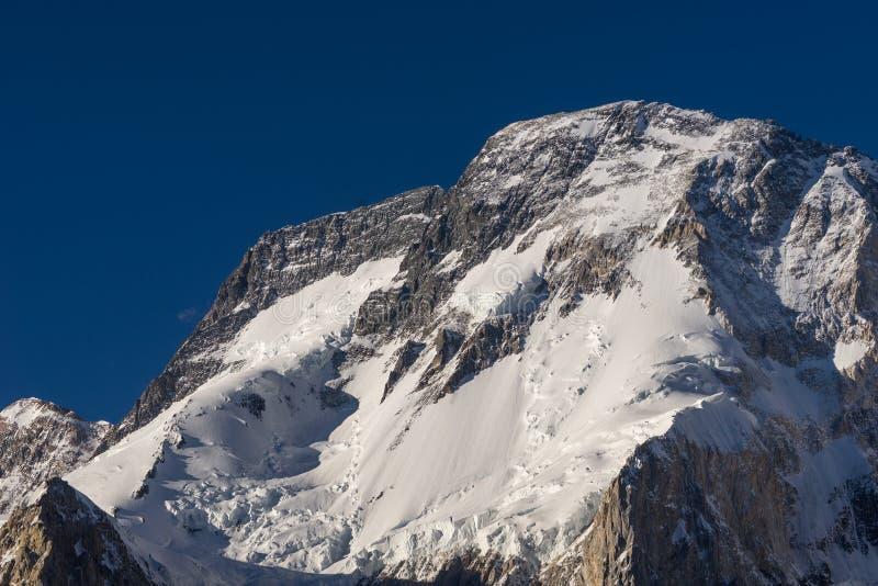 在喀喇昆仑山脉, K2艰苦跋涉,基尔吉特,巴基斯坦的Broadpeak 库存照片