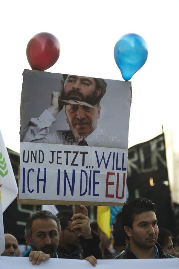 在团结Kobane的库尔德示范在维也纳 免版税图库摄影