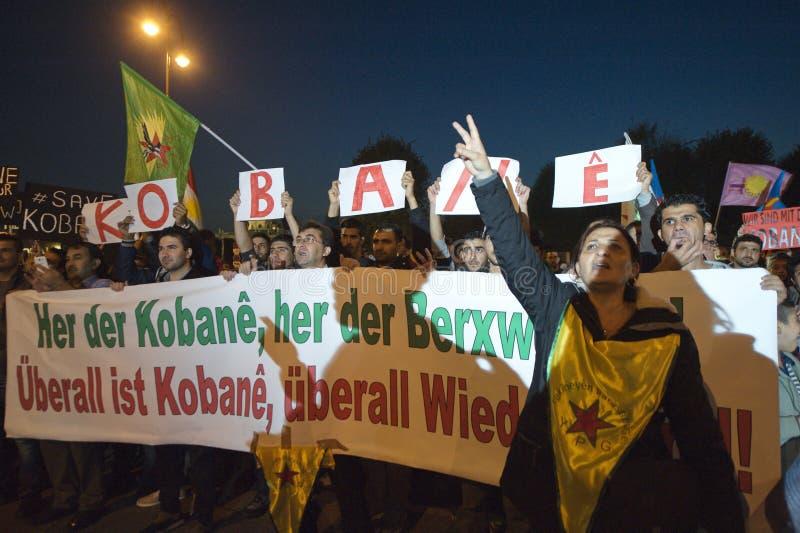 在团结Kobane的库尔德示范在维也纳 库存图片