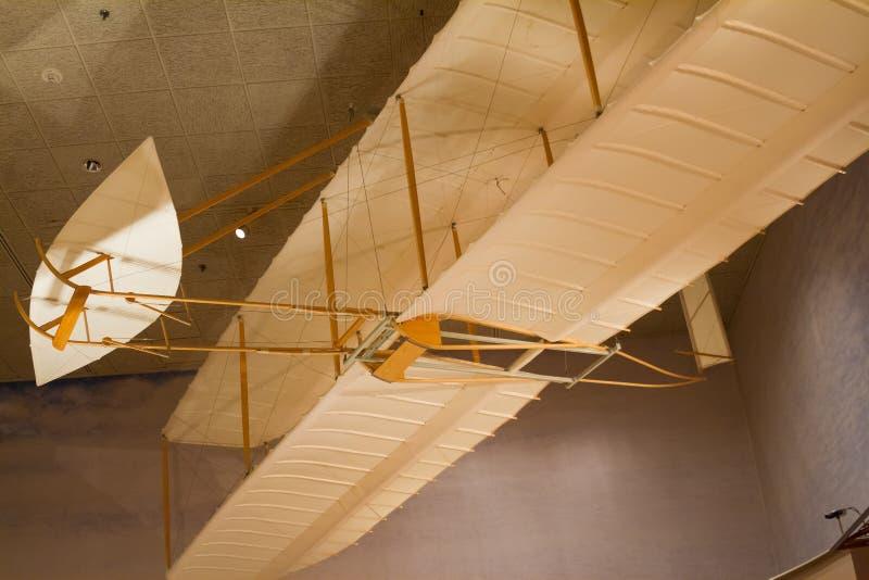 在国家宇航博物馆的莱特兄弟1902年滑翔机 免版税图库摄影
