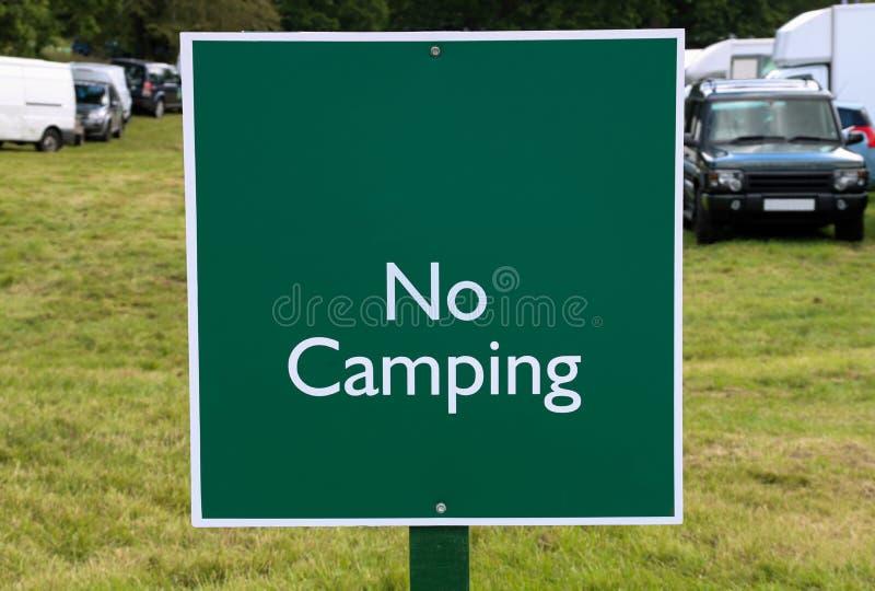 在国家市场的没有野营的标志 免版税库存照片