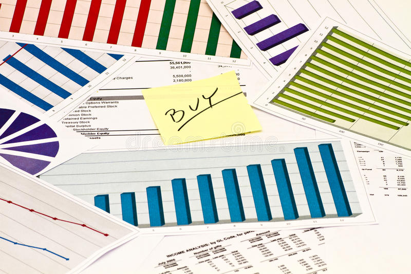 在图和图表的Buyl 免版税库存照片