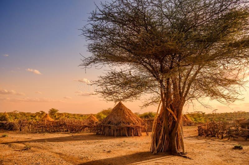 在图尔米,埃塞俄比亚附近的Hamer村庄 免版税库存照片