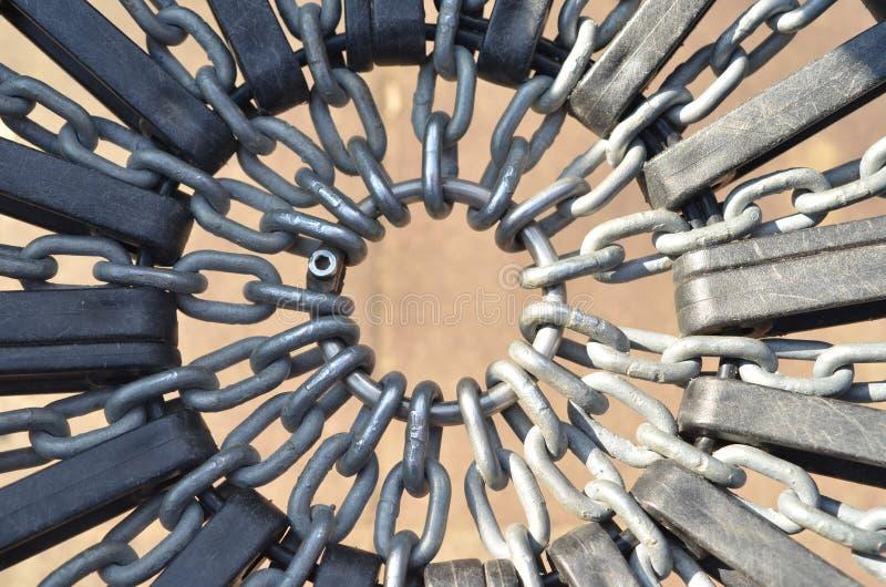 在圆环的金属链子 库存照片
