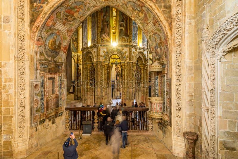 在圆的教会的看法在Tomar -葡萄牙的托马尔的基督会院 免版税库存照片