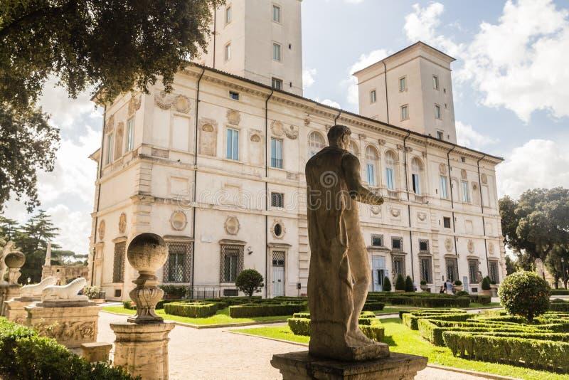 在圆顶场所Borghese的看法在别墅Borghese,罗马, 免版税库存图片