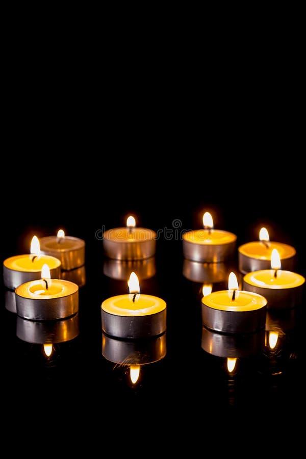 在圈子的小蜡烛 免版税库存照片