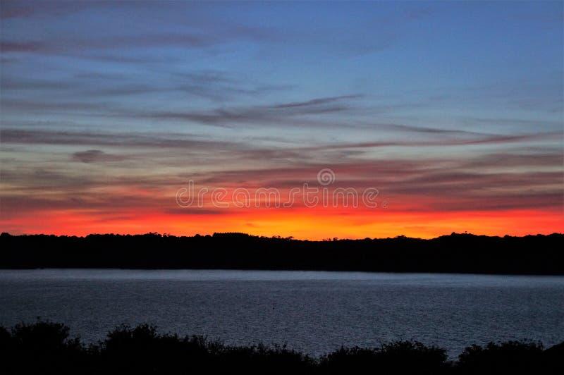 在圣卡le Guildo海岸的日落在布里坦尼 库存图片