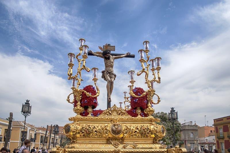 在圣周通过圣伯纳德团体的奥秘在塞维利亚 免版税图库摄影