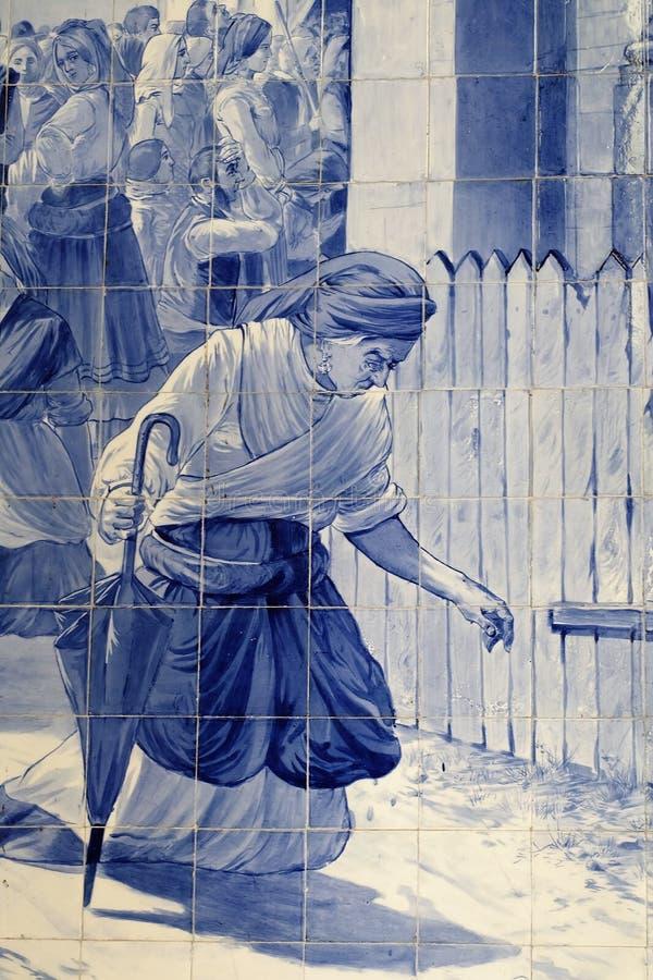 在圣地Bento火车站的墙壁上的Azulejos 免版税库存图片