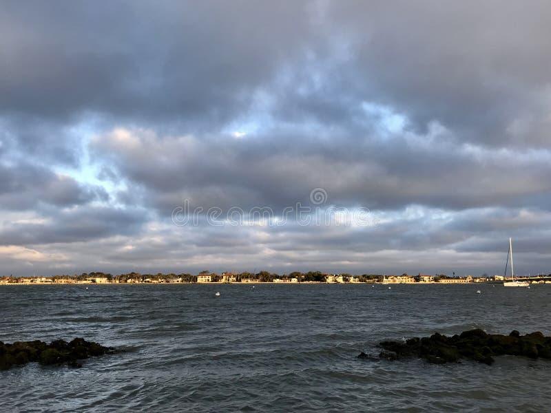 在圣奥斯丁海滩,佛罗里达,美国水的一个看法  免版税库存图片