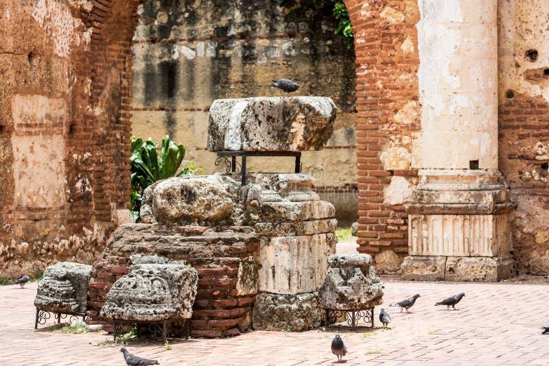 在圣巴里,圣多明哥,多米尼加共和国尼古拉斯医院的废墟的看法  库存图片