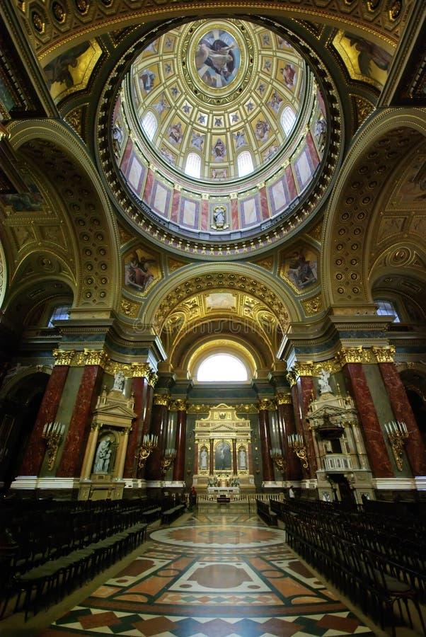 在圣徒斯蒂芬里面的大教堂布达佩斯 免版税图库摄影