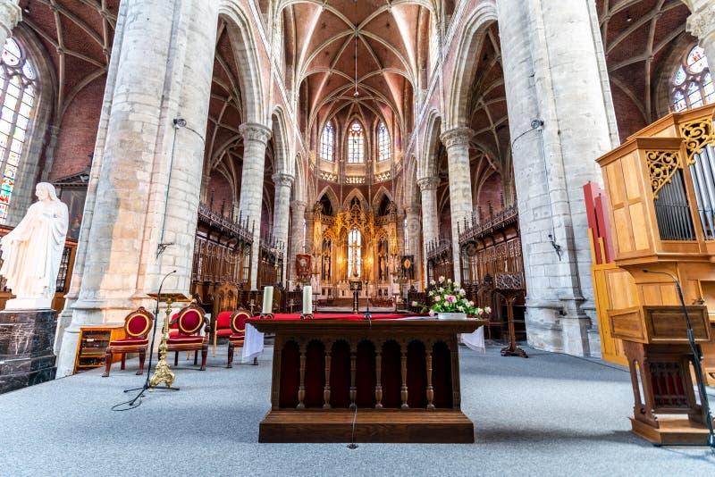 在圣徒Michaels教会里面在绅士的中心在Belgiu 免版税图库摄影