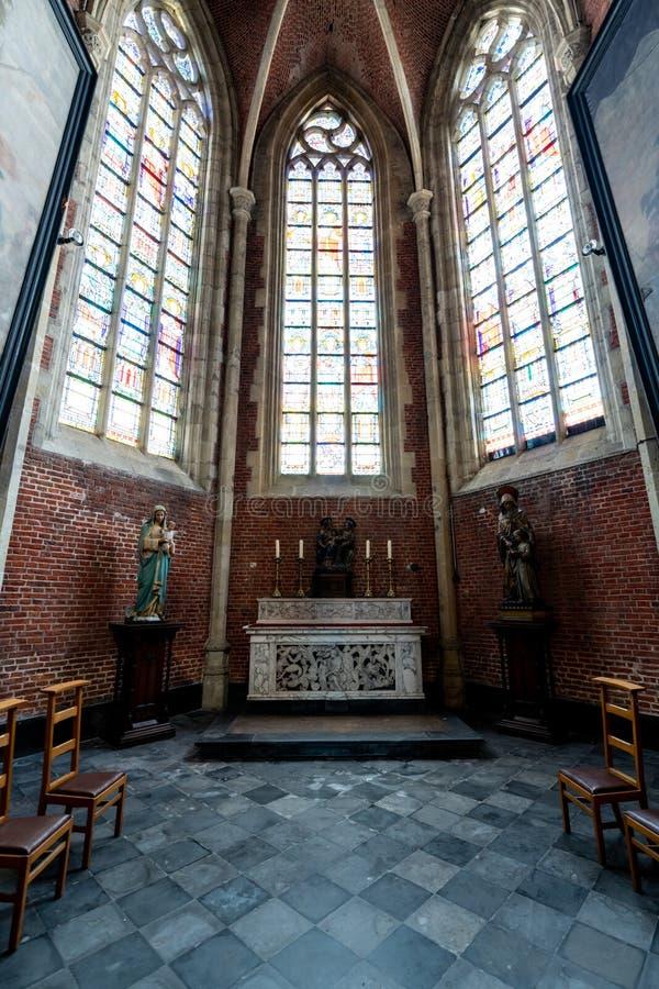 在圣徒Michaels教会里面在绅士的中心在Belgiu 库存图片