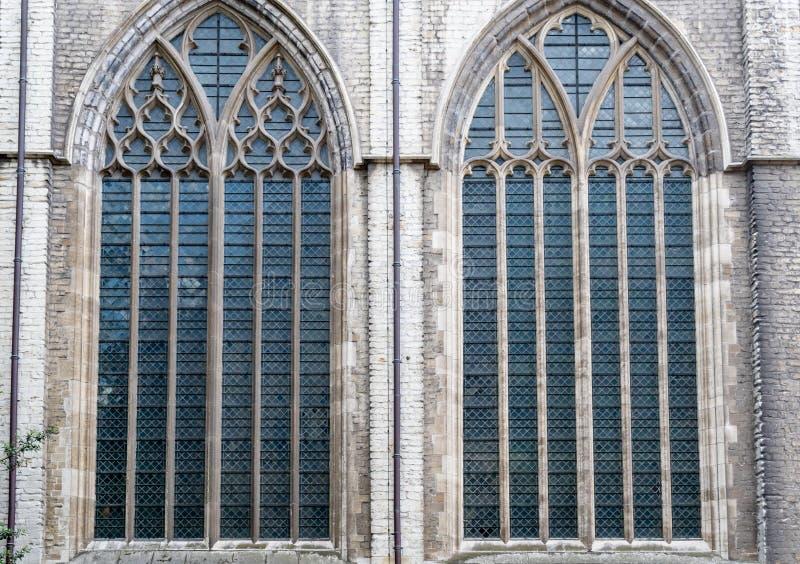 在圣徒Michaels教会里面在绅士的中心在Belgiu 库存照片