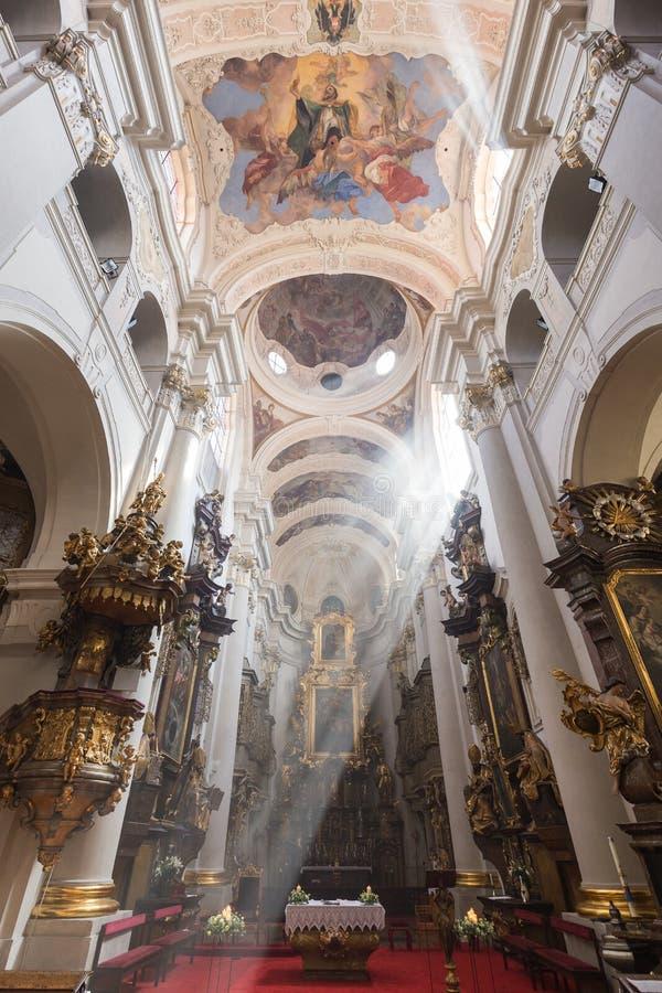 在圣托马斯`教会里面在布拉格 库存图片