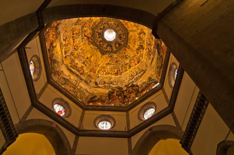 在圣玛丽亚del菲奥雷大教堂圆顶的精采艺术性的细节在佛罗伦萨,托斯卡纳 库存图片