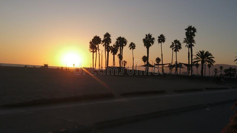 在圣莫尼卡海滩的惊人日落 免版税图库摄影