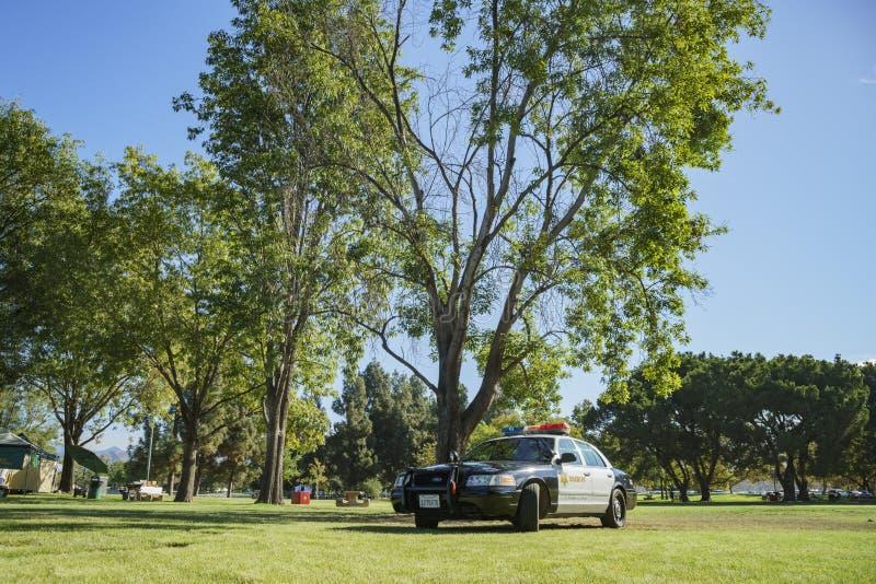 在圣菲水坝度假区的警车 免版税库存照片