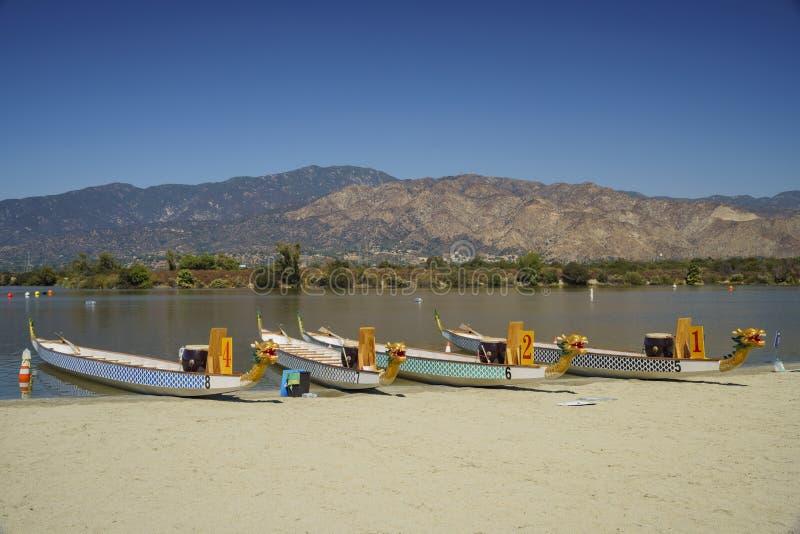 在圣菲水坝度假区的龙小船 图库摄影