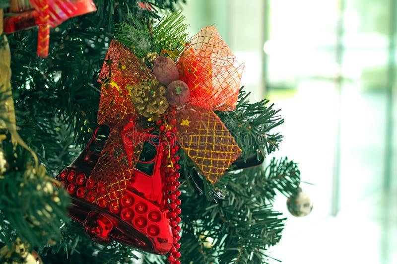 在圣诞树的拉铃索 库存图片