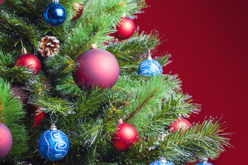 在圣诞树的装饰的球 库存图片