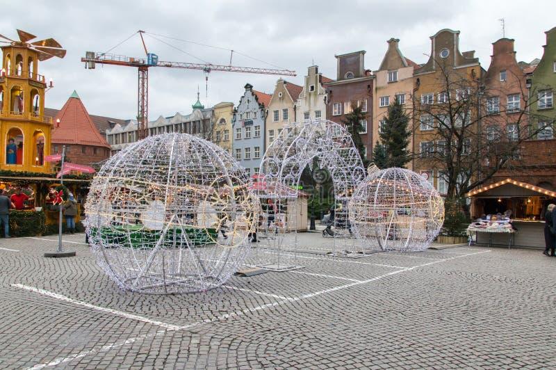在圣诞节的圣诞节装饰公平在Targ Weglowy在格但斯克老镇  免版税库存照片