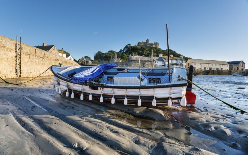 在圣迈克尔的登上的小船 免版税库存照片