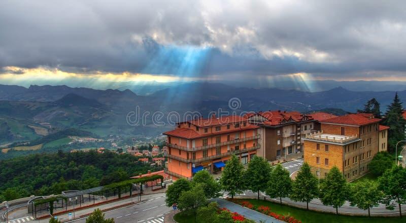 在圣马力诺上的鸟瞰图在意大利 图库摄影
