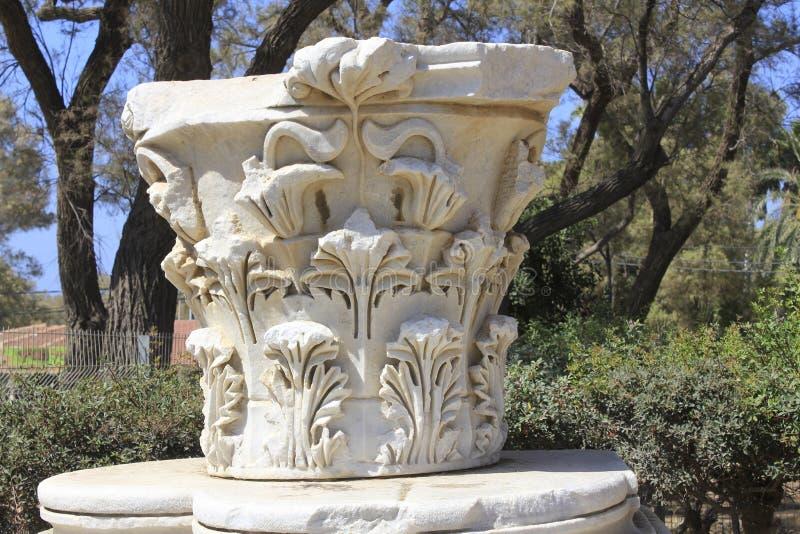 在圣经的亚实基伦古城的古老collumn在以色列 免版税库存照片