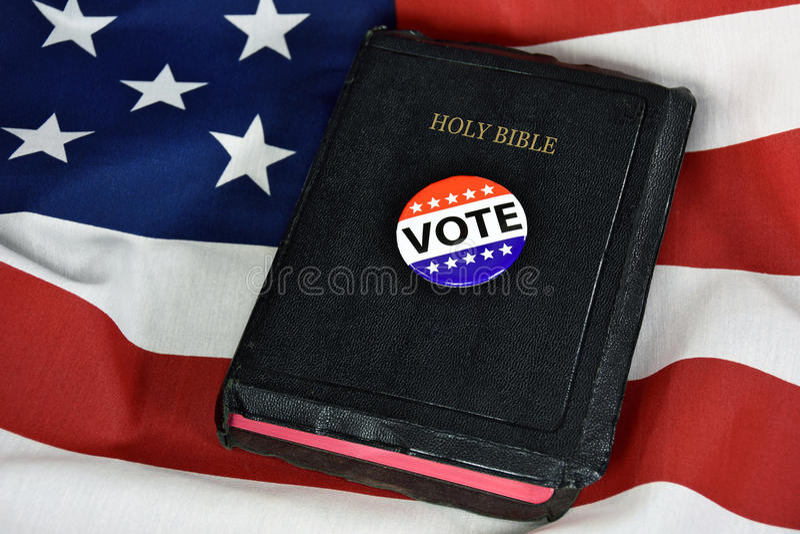 在圣经的表决别针 免版税图库摄影