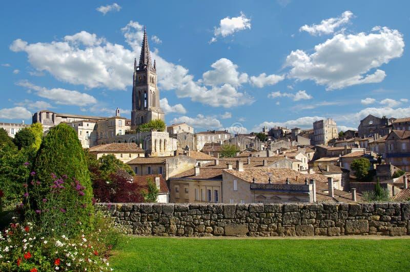 在圣Emilion村庄的大看法 吉伦特省,阿基旃,法国,欧洲 免版税图库摄影