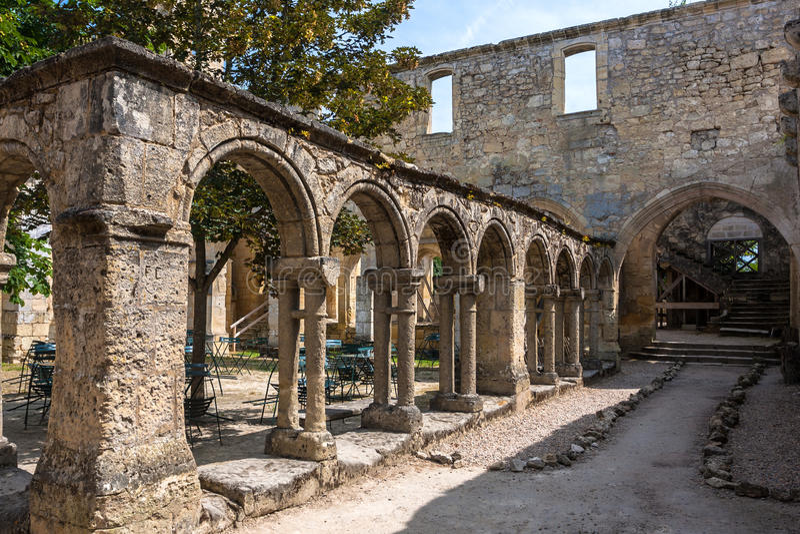 在圣Emilion,吉伦特省,阿基旃,法国的都市风景视图 库存照片