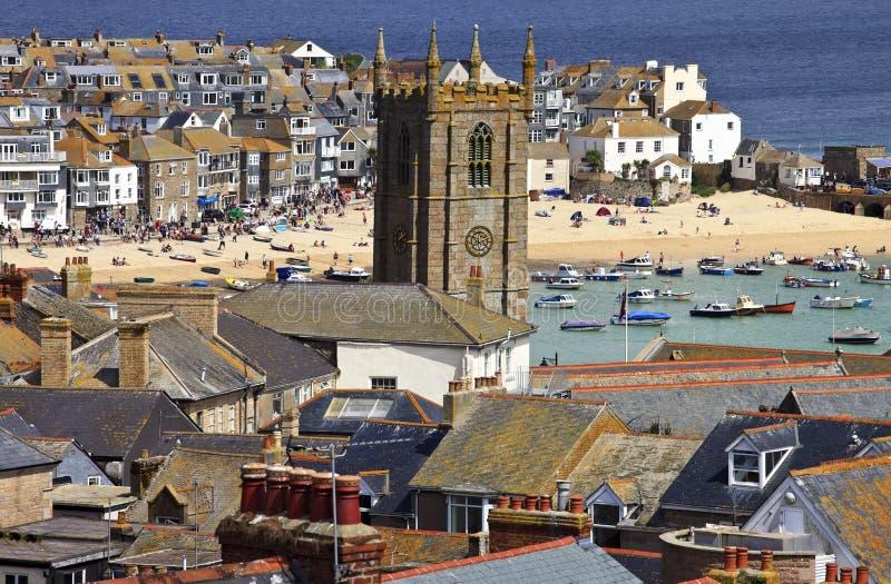 在圣Ives康沃尔郡,英国顶房顶港口的顶视图 免版税库存照片