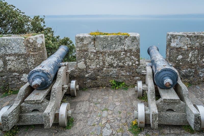 在圣Michaels墙壁上的大炮登上堡垒 免版税库存照片