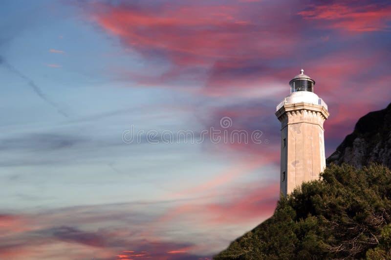 在地中海的海岸的灯塔 库存照片