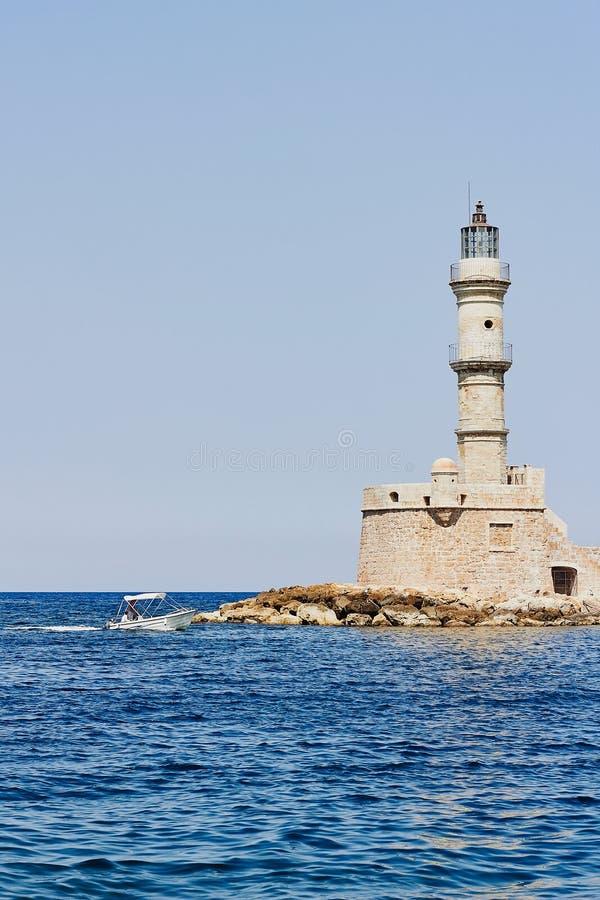 在地中海的海岸的老灯塔 免版税库存图片