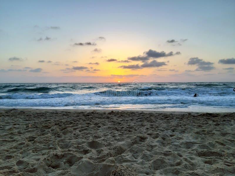 在地中海的美好的日落在以色列 库存图片