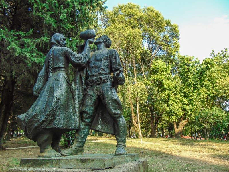 在地拉纳的战争纪念碑上道路  库存照片